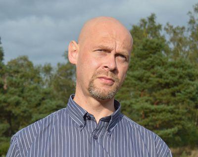 Steve Calvert (Freelance Writer, Minimalist, Digital Nomad)