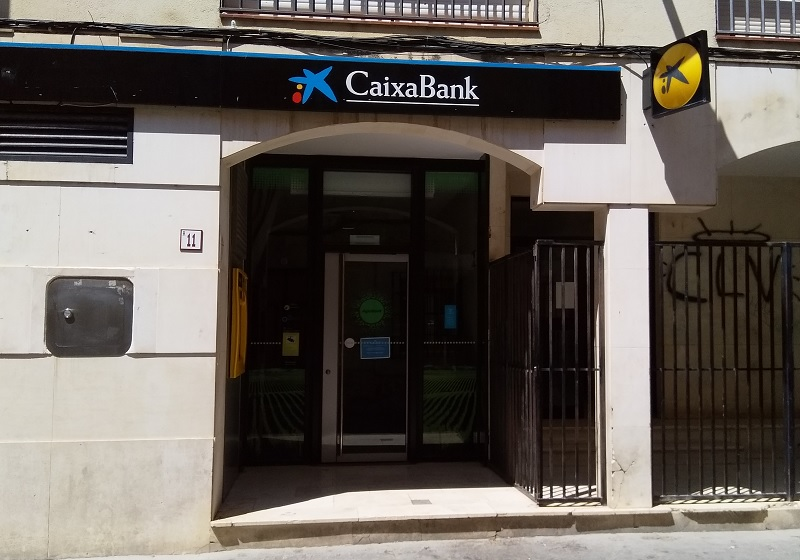 How to Avoid Paying ATM Withdrawal Fees While Visiting Spain
