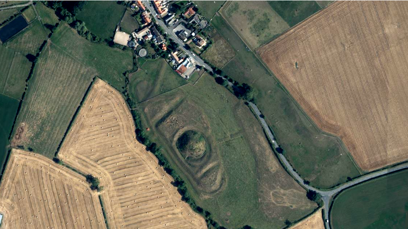 Arial Photo of Bishopton Castle / Castle Hill
