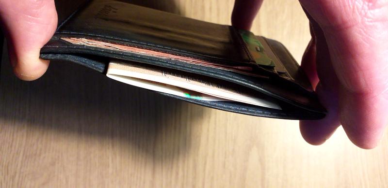 Banknote Pocket (Kindz Slim Wallet)